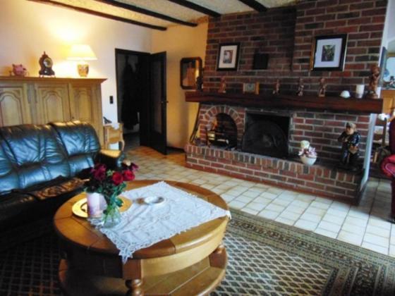 Großzügiges Einfamilienhaus oder Mehrgenationenhaus in