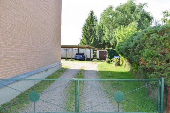 vermietetes Mehrfamilienhaus mit großen Garten und BGS